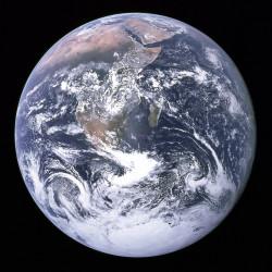 Äiti Maan päivä